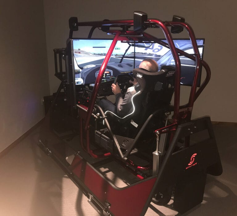 APEX4 GTS, Professional Racing Simulator for Ferrari Challenge Driver
